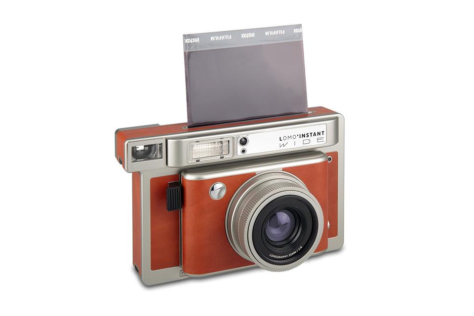 Компания Lomography представила камеру Lomo'Instant Wide