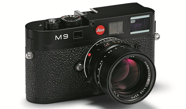 Leica Camera AG сообщила о том, что ряд камер премиум-класса поступили в продажу с дефектным аккумулятором