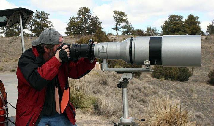 Фотограф Джим Хэдли собирается продать объектив, который имеет фокусное расстояние 1000 мм и светосилу f/4.5