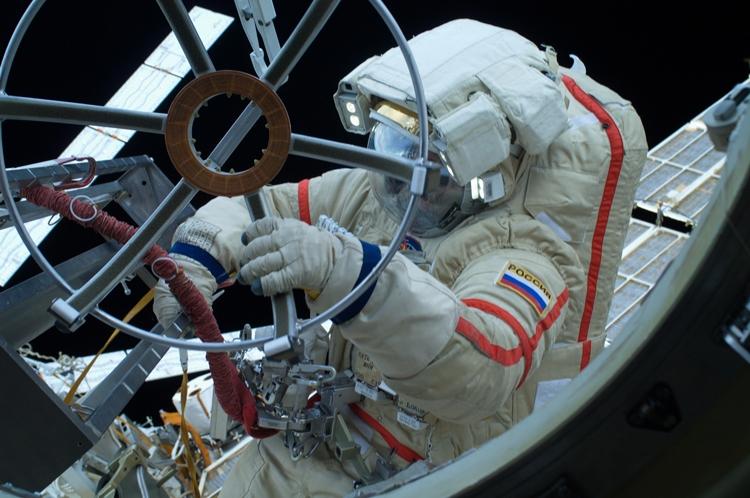 В 2017 году за бортом МКС начнутся испытания российских видеокамер, предназначенных для съёмки деятельности космонавтов в открытом космосе