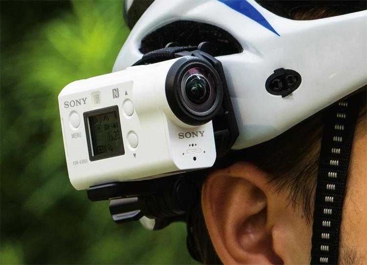 Компания Sony представила компактную экшен-камеру FDR-X3000R