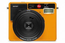 Компания Leica Camera представила необычное пополнение для своего портфолио — пленочную камеру мгновенной печати Leica Sofort