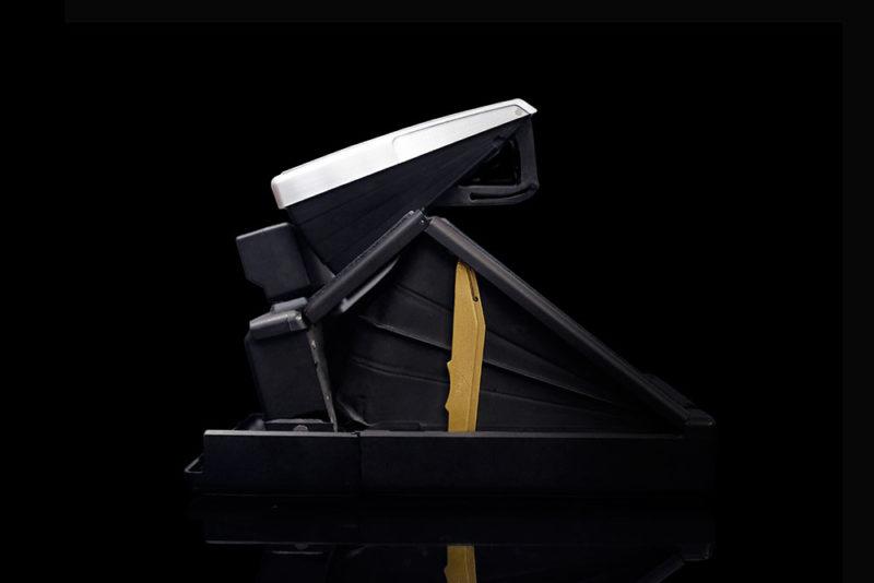 Компания MiNT предлагает модель SLR670-S Noir