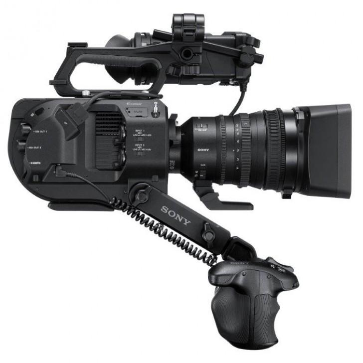 Компания Sony анонсировала второе поколение полупрофессиональной видеокамеры FS7