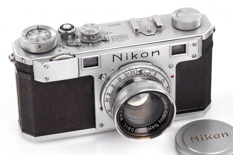 Старейшая камера Nikon продана за €384 000