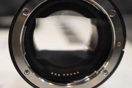 Компания Irix показала переходник для установки объективов с креплением Canon EF на камеры с креплением Sony E