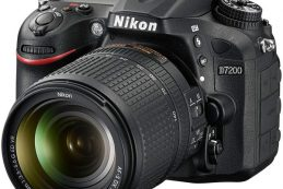 Компания Nikon опубликовала новые версии встроенного программного обеспечения для нескольких зеркальных камер