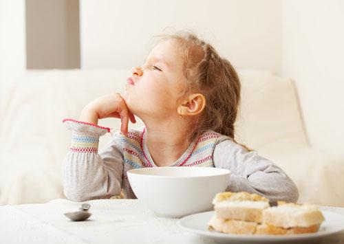 Почему ребенок отказывается от стандартной еды