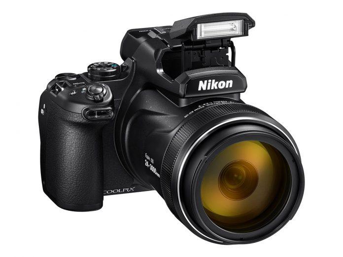Новый монстр Nikon Coolpix P1000 со 125х зумом