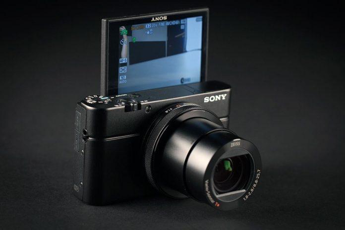 Sony выпустит новую компактную камеру в конце марта