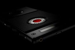 RED готовит вторую версию смартфона HYDROGEN