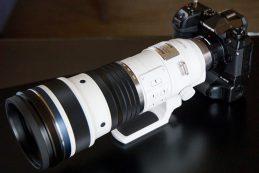 Объектив Olympus 150-400mm F/4.5 весит 2 кг