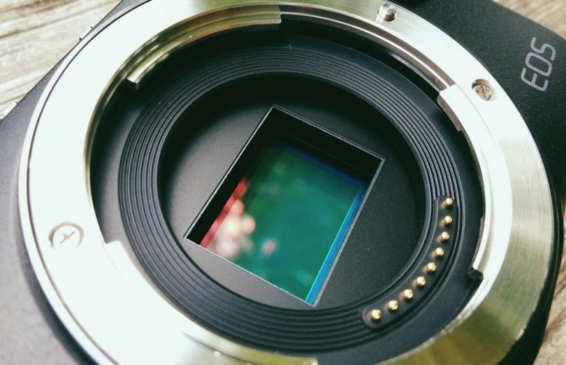 Линейка Canon EOS M получит IBIS?