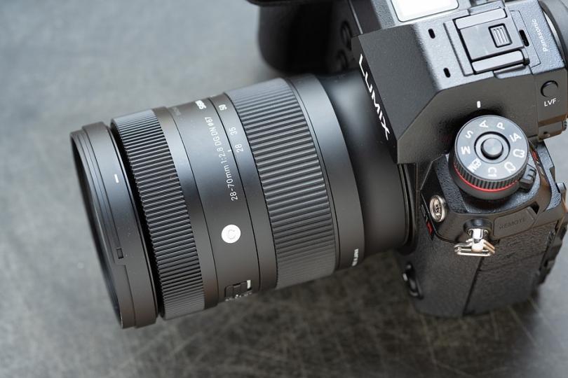 Поставки SIGMA 28–70mm F2.8 DG DN | Contemporary задерживаются