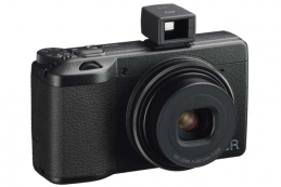 Представлена камера Ricoh GR IIIx
